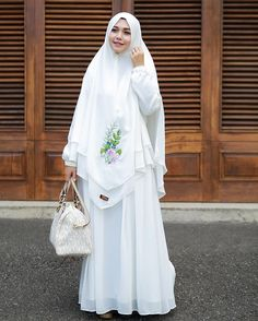 Hijab Gown, Hijab Dress Party, Hijab Outfit, Muslimah Clothing, Muslimah Wedding Dress, Moslem Fashion, Hijab Trends, Hijab Style, Abaya Designs