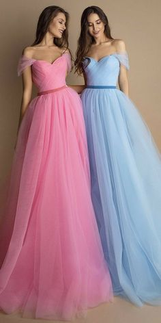 Indian Gowns Dresses, Indian Fashion Dresses, Ball Dresses, Dresses Dresses, Pretty Prom Dresses, Cute Dresses, Girls Dresses, Stylish Dresses, Elegant Dresses
