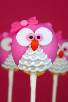 Little Miss Pink Owl with a Pink Bow Cake Pop