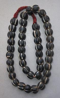Strand Old Glass Beads Nepal