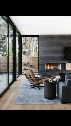 black flooring Great Artistic Black And White Modern Living Room Ideas - Home of Pondo - Home Design Luxury Home Decor, Luxury Interior, Luxury Homes, Interior Architecture, Contemporary Architecture, Contemporary Furniture, Contemporary Living Room Designs, Modern Living Room Design, Contemporary Homes
