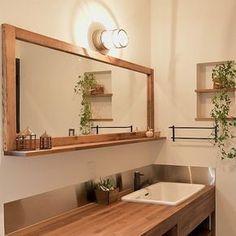 いいね!942件、コメント6件 ― オンリーユーホームさん(@only_you_home)のInstagramアカウント: 「クールな洗面台 ・ #男前インテリア#インダストリアル #ビンテージ#アンティーク#アメリカン #ブルックリンスタイル#ベイフロー #カリフォルニアスタイル#家づくり…」 Japanese Style Bathroom, Room Interior, Interior Design, Natural Interior, Japanese House, Contemporary Bathrooms, Home And Deco, Bathroom Styling, Beautiful Bathrooms