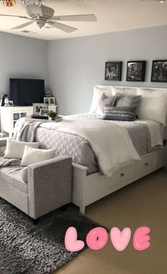177 easy tips small master bedrooms decor that you must try at home 28 Cute Room Decor, Room Decor Bedroom, Home Bedroom, Bedroom Ideas, Modern Bedroom, Bedroom Neutral, Bedroom Simple, Bedroom Rustic, Contemporary Bedroom