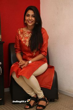Beautiful Girl In India, Most Beautiful Indian Actress, Beauty Full Girl, Beauty Women, Kerala, Indian Girls Images, Indian Pics, Red Indian, Indian Ethnic