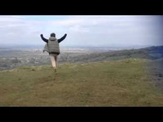 Stupid guy jumps off cliff (no special effects) - YouTube