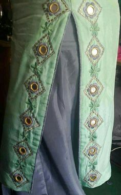 Latest Punjabi Suits Design, Designer Punjabi Suits Patiala, Punjabi Suits Designer Boutique, Boutique Suits, Indian Designer Suits, Embroidery Suits Punjabi, Kurti Embroidery Design, Embroidery Fashion, Hand Embroidery