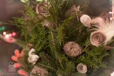Vintage and a little glamorous decoration of your Christmas Tree! Who said that paper & burlap roses can't be part of Christmas & New Year decoration :)