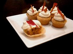 carlyklock: French Toast and Bacon Cupcakes with Maple Buttercream Frosting