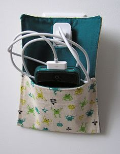 Betula`Loo: Phone Charging Pocket Tutorial make it with old ties and have it hidden ? Sewing Hacks, Sewing Tutorials, Sewing Crafts, Sewing Projects, Sewing Patterns, Car Crafts, Phone Charging Holder, Phone Holder, Charger Holder