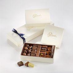 Coffret de chocolats maison, pralinés et ganaches. #chocolatier, #artisan #boutique