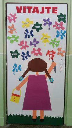 School Hallway Decorations, Class Decoration, Preschool Classroom, Classroom Decor, Art For Kids, Crafts For Kids, September Crafts, Kindergarten Design, School Labels