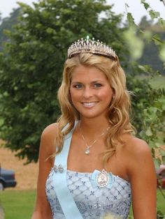 Princess Madeleine of Sweeden. When I was a teenager this was the girl I modeled my look after. I still think she's gorgeous!