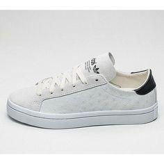 online retailer e2476 d943d ADIDAS COURTVANTAGE Chaussures Adidas, Femme Qui Court, Mode Urbaine, Coups  De Pied,