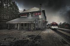 La estación de Cotos. Esta fotografía la tomé antes de la remodelación. La fotografía fue adquirida por el encargado de la cafetería.