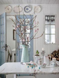Rosenquartz und ein klares ruhiges blau (Serenity) sind die Farben des neuen Jahres. Da sich die Mode und die Haarfarbentrends schon danach richten, warum nicht auch die Wohnungseinrichtung? Nein, ...