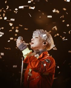 Jonghyun, thank you so much for everything. Thank you for making us happy when we were down and for smiling no matter what. You've been through a lot throughout your life and you have impacted millions with your talent. It has spread worldwide, it will never disappear. Your music makes everyone happy and feel better when times are hard. Every time I hear your voice, I smile knowing that you are safe in heaven. Thank you so much Kim Jonghyun, you've worked hard.~Usagi (Dara)