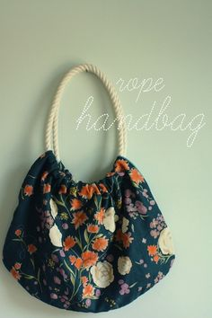 To make during your next sewing lesson. Who doesn't need another bag?!?