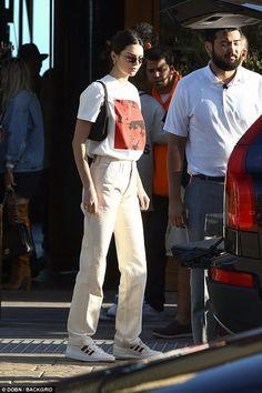 Kendall Jenner - Autumn - winter - Fall - A/W 18 - FW 18 - Acne Studios - Inspiration - Fashion - Street Style - Olsen Twins - Anniken - Annijor - Shoes - Boots - OOTD - Zoella winter hijab Acne Studios' Seasonal Soles – NEW IN Street Style Outfits, Looks Street Style, Mode Outfits, Looks Style, Style Me, Street Outfit, Trendy Style, Street Wear, Cool Street Fashion