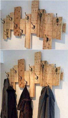 Diy home decor 5 pallet coat racks, wood pallets, wood projects, bathroom hooks Pallet Home Decor, Wooden Pallet Projects, Diy Pallet Furniture, Wooden Pallets, Wooden Diy, Diy Home Decor, Diy Projects, Furniture Ideas, Recycled Pallets