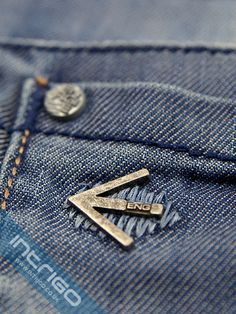 energie jean detail - Google'da Ara Denim Branding, Fashion Branding, Denim Jeans Men, Boys Jeans, Leather Label, Surf Wear, Lifestyle Clothing, Vintage Denim, Denim Fashion