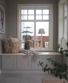 Hallway Inspiration, Furniture Inspiration, Interior Design Inspiration, Boot Room Storage, Küchen Design, House Design, Country Cottage Interiors, Love Home, Simple House