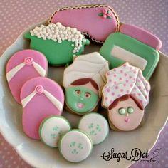Sugar Dot Cookies: Spa Sugar Cookies with Royal Icing