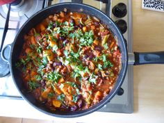 Mostly healthy eating! Suppers, Chili, Healthy Eating, Soup, Yummy Food, Healthy Recipes, Times, Simple, Eating Healthy