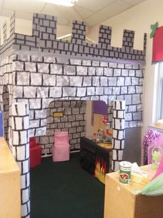Castle dramatic play