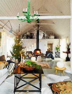 Keltainen talo rannalla: Vintagea, luontoa ja joulua
