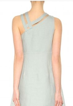 c041e3c4a6 Valentino - Linen dress - Back - Feminine chic at its best  in a delicate