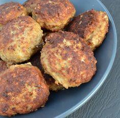 Go'e gammeldags frikadeller… - Nelly Scandinavian Food, Danish Food, Mince Meat, Home Recipes, Carne, Bacon, Good Food, Snacks, Dinner