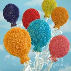Theres no better way to say Happy Birthday than by making these Birthday Party Balloon Pastry Pops! Have fun creating these with any color you'd like and have even more fun eating them up! 2nd Birthday Parties, Birthday Balloons, Birthday Fun, Birthday Ideas, Cake Pops, Lolly Cake, Balloon Cake, Balloon Party, Party Entertainment