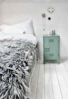 Linea R: Una casa teñida de color blanco invierno