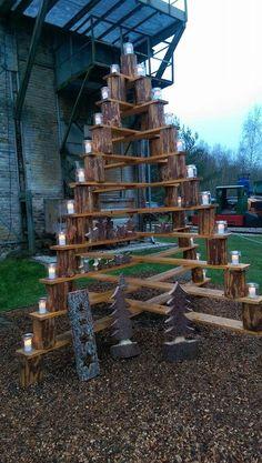 Holztannenbaum aus Latten