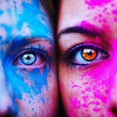 Os melhores olhos 💙💖 discovered by Joanna on We Heart It Paint Photography, Tumblr Photography, Creative Photography, Portrait Photography, Photography Hashtags, Photography Settings, Black Photography, Artistic Photography, Photography Ideas