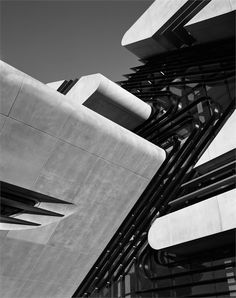 Pierres Vives, Montpellier, 2012 by Zaha Hadid Zaha Hadid Architecture, Black Architecture, Sustainable Architecture, Architecture Details, Montpellier, Architectes Zaha Hadid, Modern Entrance, Ludwig Mies Van Der Rohe, Commercial Architecture