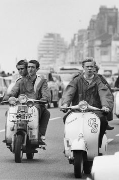 Mods arriving at Hastings, Sussex aboard their Lambretta and Vespa Scooters in Scooters Vespa, Lambretta Scooter, Piaggio Vespa, Motor Scooters, Twiggy, Mod Music, Pierre Cardin, Mod Suits, Youth Subcultures