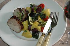 ganske enkelt: Ytrefilet av svin med ovnstekte grønnsaker Tableware, Dinnerware, Tablewares, Dishes, Place Settings