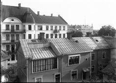 Karlstad, Fotograf Karl Nyströms atelje S Klaragatan 2. Huset revs på 1960-talet. ca   1930