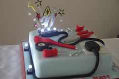 A cake for an electrian