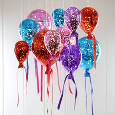 Amazing hanging mirrored bright balloon lights. Illuminate a corner of the room or create a feature cluster of hanging light bulbs- filled with fairy lights!Perfect to style above wedding tables, at parties or for any room in the house that needs lighting up.These gorgeous hanging mirrored balloon lights are amazing! Create a statement with these wonderful lights. During the day they work as an interesting feature within the room, at night they have a warm atmospheric glow and reflect the…