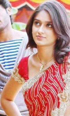 Beautiful Girl Indian, Most Beautiful Indian Actress, Beautiful Saree, Samantha In Saree, South Indian Actress Hot, Ileana D'cruz, Beautiful Bollywood Actress, Indian Girls, Indian Beauty
