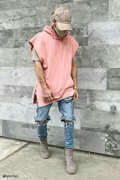 A French terry knit hoodie featuring side zippers at the hem, a kangaroo pocket, sleeveless cut, and a ribbed knit trim. I love this pastel combination in style Mode Streetwear, Streetwear Fashion, Streetwear Jeans, Streetwear Summer, Urban Fashion, Mens Fashion, Fashion Outfits, Men Street, Street Wear