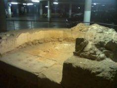 Mihrab documentado y conservado bajo la Estación de Autobuses de Córdoba: Imagen: http://wikimapia.org/13935033/es/Mezquita-de-la-Estaci%C3%B3n-de-Autobuses