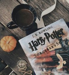 harry potter, book, and coffee image Hogwarts, Slytherin, Foto Canon, Scorpius And Rose, Fall Inspiration, Fashion Inspiration, Must Be A Weasley, Ron Weasley, Autumn Aesthetic