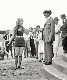 August 5, 1922: Seventeen-year-old Eva Fridell wins the Washington Tidal Basin Beauty Contest at the Washington Bathing Beach in Washington D.C.