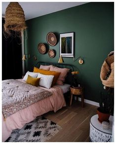 2019 - Fine Deco Chambre Kaki Et Beige that you must know, You?re in good company if you?re looking for Deco Chambre Kaki Et Beige Green Bedroom Walls, Green Bedroom Colors, Green Master Bedroom, Green Bedroom Decor, Dark Green Rooms, Bedroom Small, Small Rooms, Colourful Bedroom, Green Wall Color