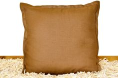Handbefüllt mit besten ZirbenFlocken aus Kärnten. Der Bezug besteht aus hochwertigem Leinenstoff. Throw Pillows, Get Tan, Toss Pillows, Cushions, Decorative Pillows, Decor Pillows, Scatter Cushions