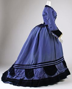 1874 ... Ensemble w/ jacket ... Silk & Fur ... French (Paris) ... at The Metropolitan Museum of Art ... photo 2