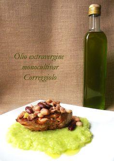 """La petite cuillère: Crostone di legumi su purè di porro con """"olio novo"""""""
